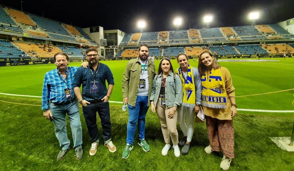 Participants in the 'fan experience' of Cadiz CF.